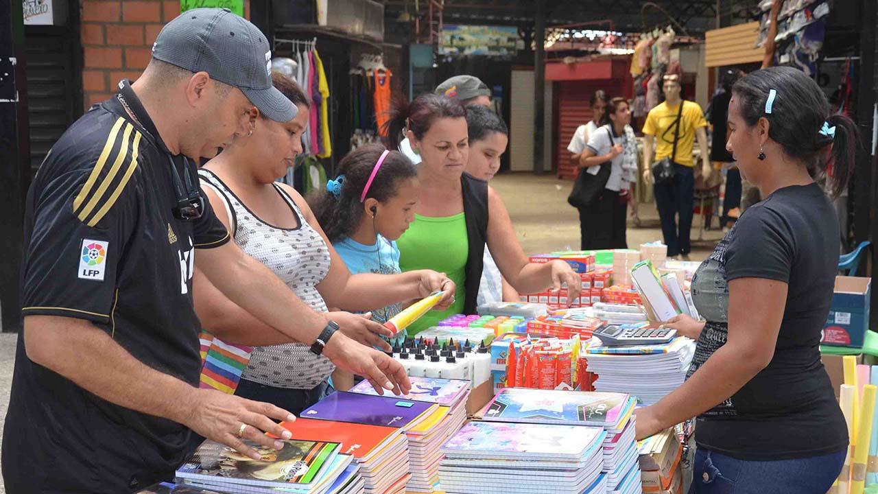 La autoridad de la Sundde, William Contreras, detalló que solo en Caracas y Miranda serán fiscalizados un estimado de 400 librerías