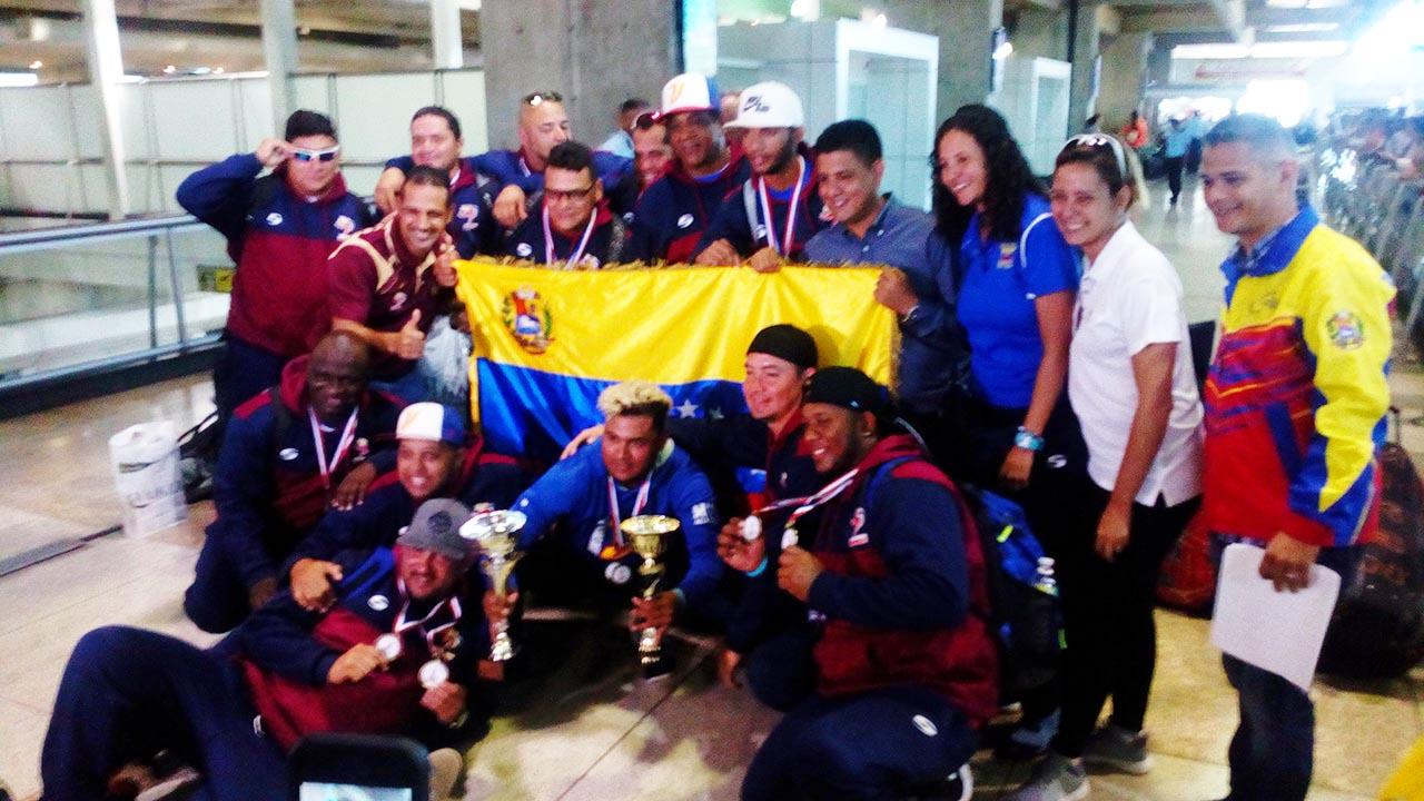 La selección venezolana de sotbol logró el bicampeonato Panamericano en República Dominicana y ahora apunta a tres nuevos retos