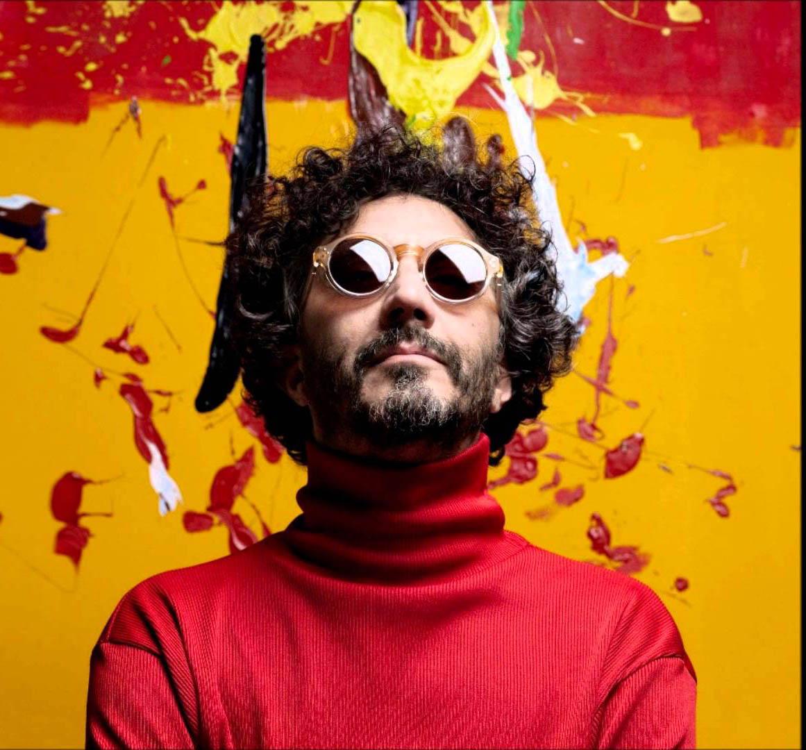 El artista argentino regresa con un nuevo tema, en el que sobra el optimismo