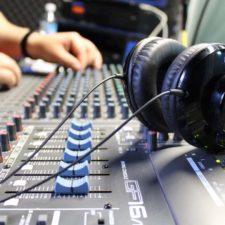 Radios de Venezuela se unen contra el cáncer