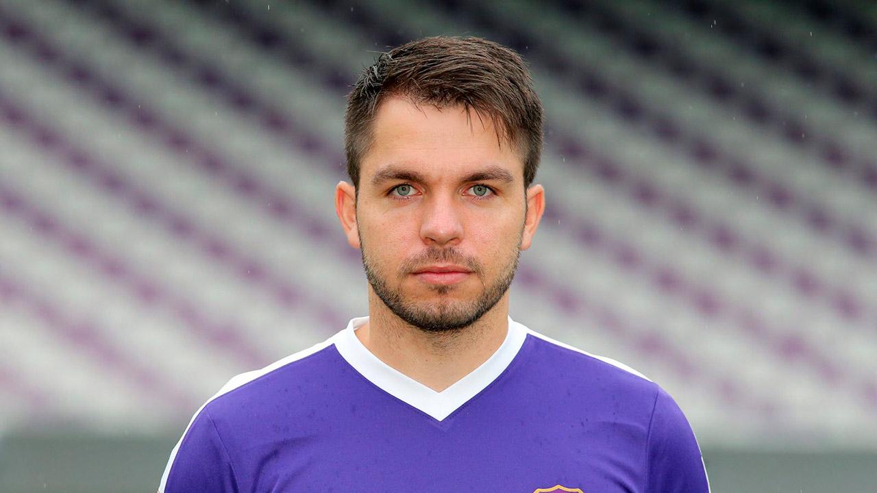 Tommy Käßemodel es utilero del conjunto alemán FC Erzgebirge Aue y fue incluído en el videojuego por un vacío legal