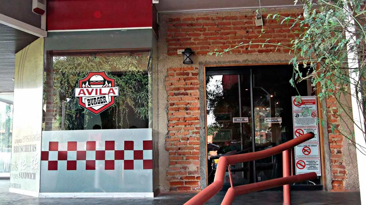 La cadena criolla especialziada en hamburguesas Ávila Burger se expandió al territorio español rescientemente