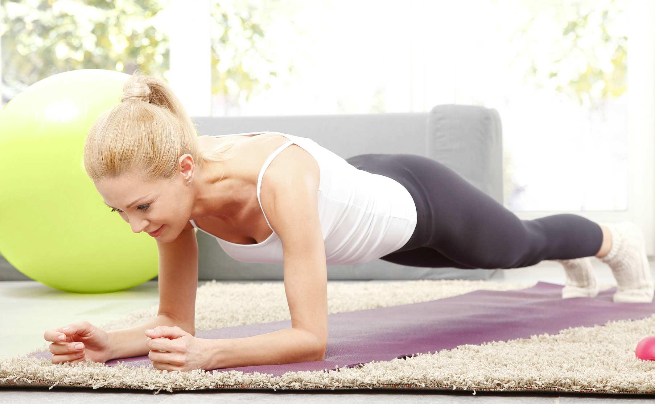 ciclo menstrual, circulación, ejercicios, dolores, malestar, consumir mucha fibra, frutas y verduras, bebidas calientes, dismenorrea, cólicos menstruales