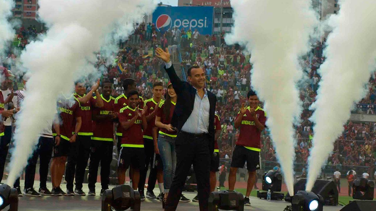 El seleccionador nacional y el equipo juvenil recibieron sendos reconocimientos por parte de la prensa deportiva venezolana