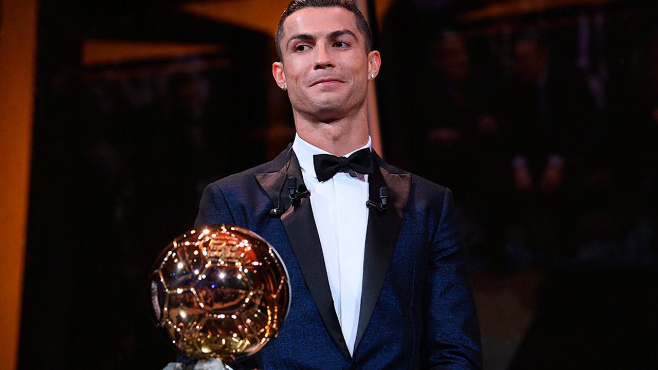 El portugués logró su quinto Balón de Oro, empatando el récord del astro argentino Lionel Messi