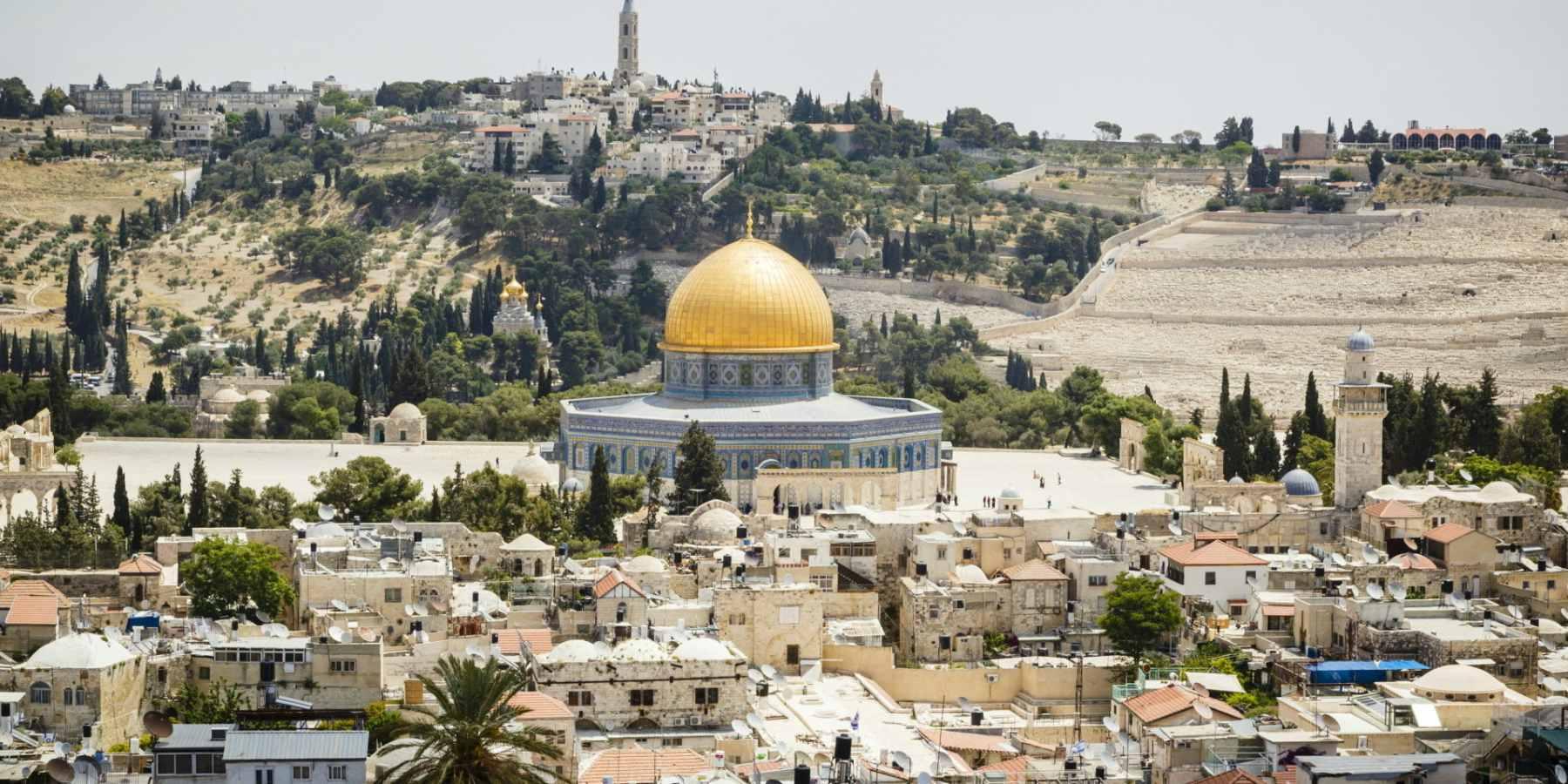 Cristianos, judíos y musulmanes defienden cada espacio de la ciudad cuyo futuro es centro de discusiones en la actualidad