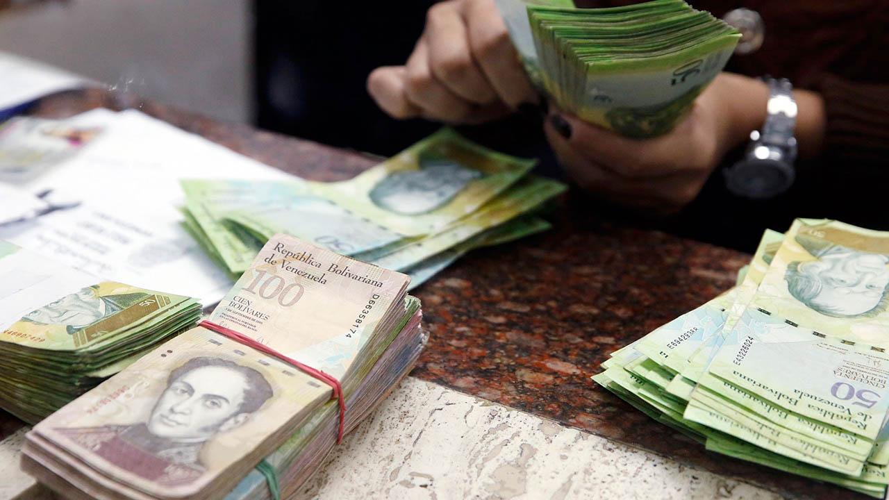 El Superintendente del sector bancario solicitó que el pago sea en su totalidad en efectivo