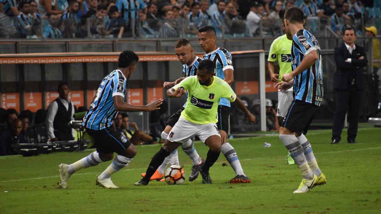 El equipo venezolano fue goleado por el campeón del torneo en suelo brasileño y sigue sin sumar puntos en su grupo