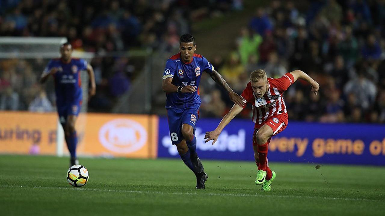 El venezolano asistió al primer gol de su equipo que ganó por 2-1 a Melbourne City y jugará la final de la liga australiana
