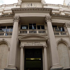 Banco Central argentino vende $5.000 millones