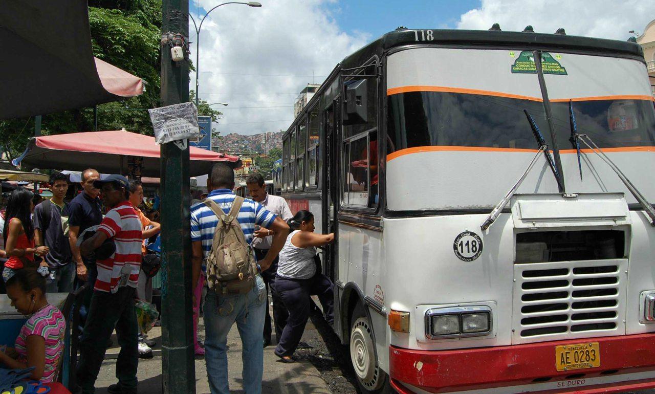 Transportistas de Guarenas acuerdan respetar el pasaje suburbano