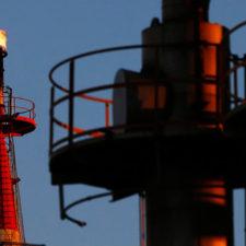 Precios del petróleo aumentan ante expectativas en Venezuela