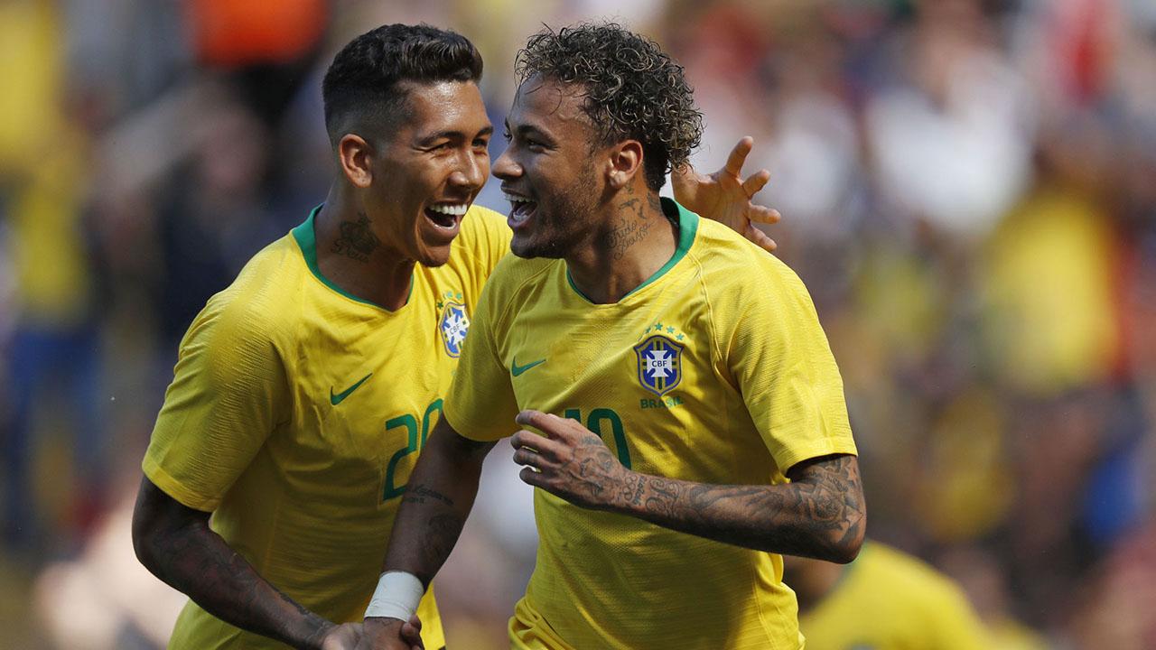 """Con Neymar y varios nuevos jugadores, la """"canarihna"""" vuelve al ruedo tras el Mundial de Rusia"""