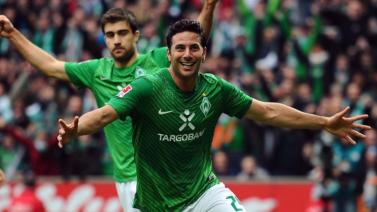 El máximo goleador extranjero de la historia de la Bundesliga con 192 dianas firmó ahora un contrato por una temporada