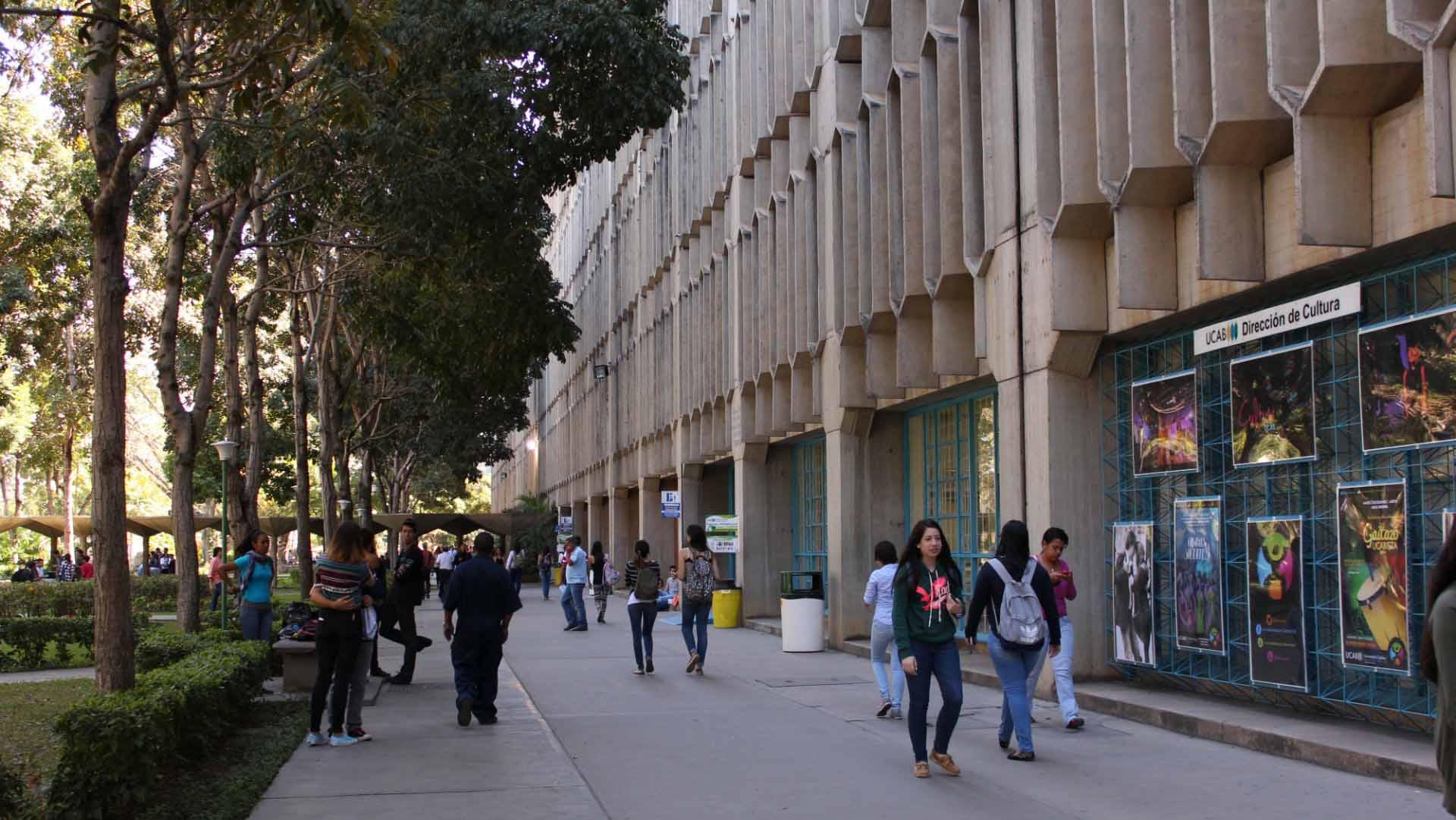 La URBE University y Florida Global University, permitirán a los estudiantes de la institución venezolana realizar equivalencias con miras a obtener un título unversitario