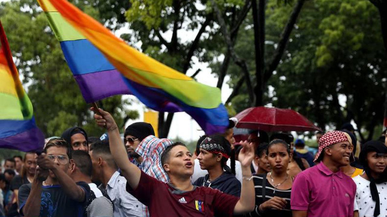 La marcha en favor de la sexodiversidad recorrió varias calles de la capital venezolana, de este a oeste, llegando hasta Capitolio