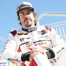Red Bull descarta a Fernando Alonso