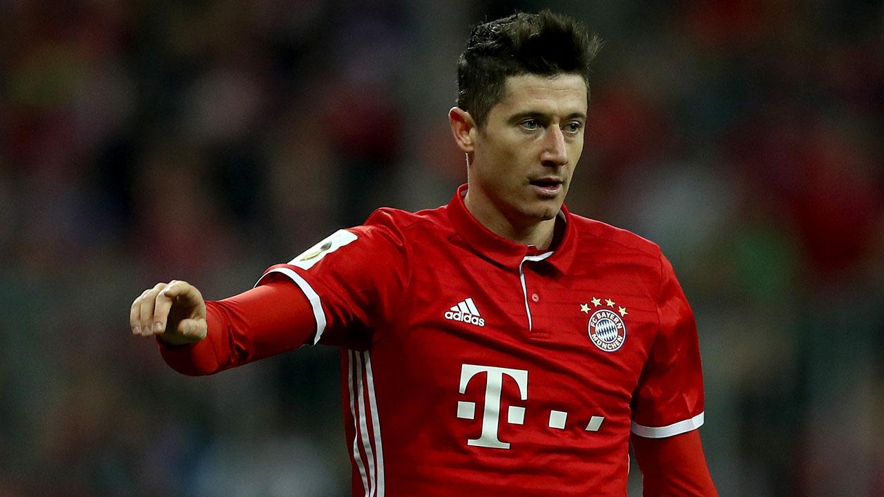 """""""Si se tuviera la opción de un segundo atacante, eso sería mejor. Para el equipo y para mí"""", expresó el jugador polaco"""