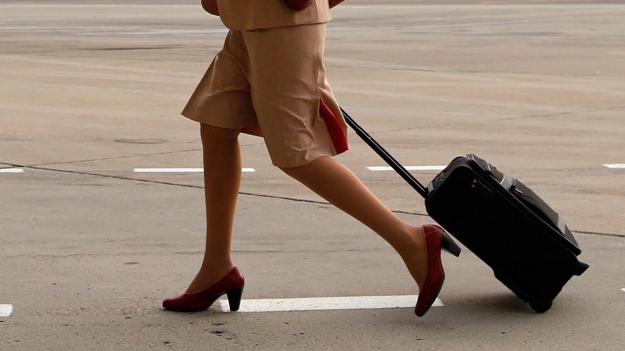 La propuesta de matrimonio se vivió durante un vuelo comercial por lo que la empresa decidió prescindir de sus servicios