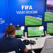 La UEFA se entrega al VAR: Champions y Euro tendrán videoarbitraje