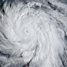 Niña llamada Florence lanza campaña para víctimas de huracán