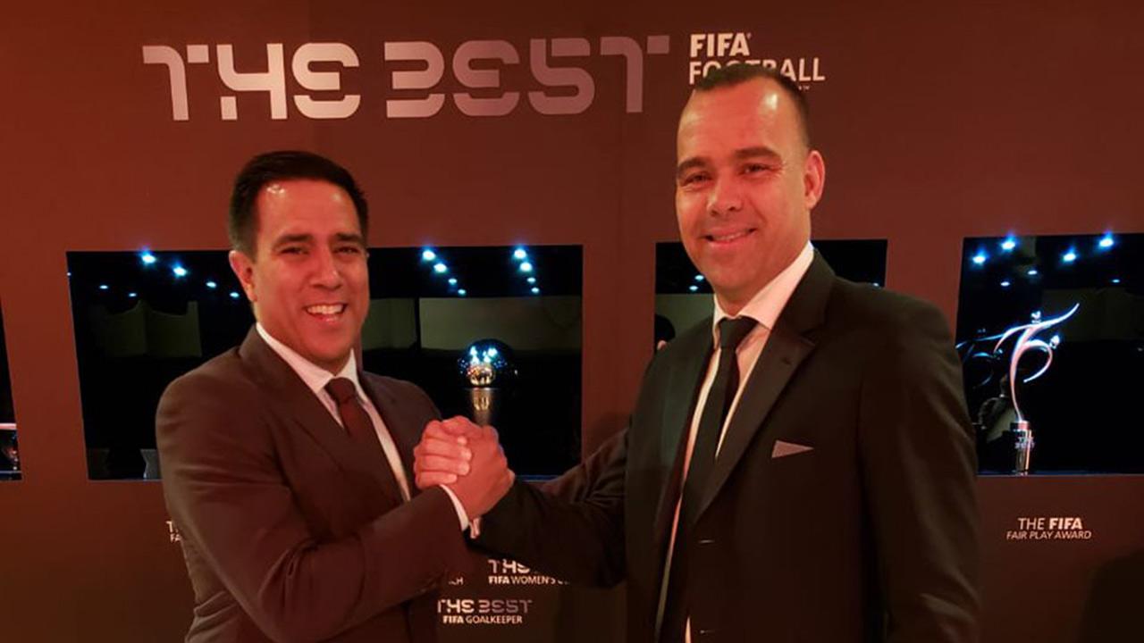 El seleccionador nacional Rafael Dudamel coincidió con el venezolano César Farías en la capital inglesa, donde se llevó a cabo la Conferencia del Fútbol