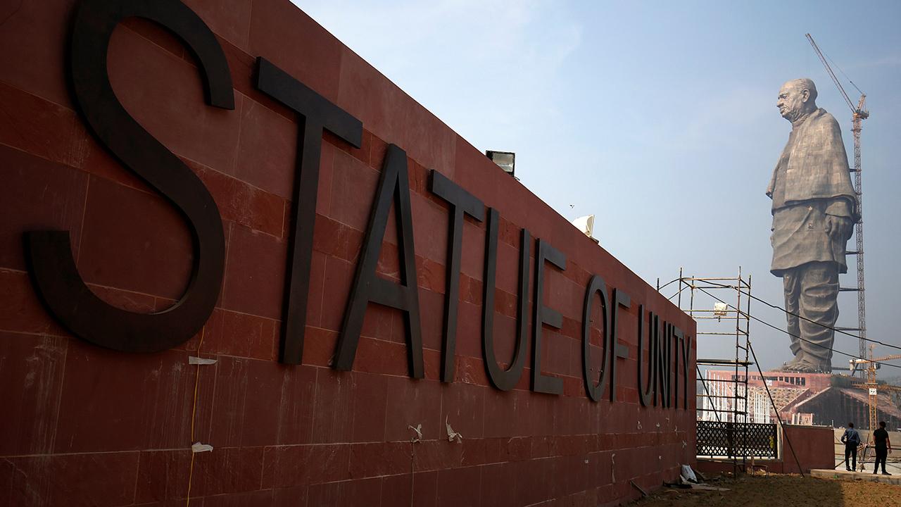 De acuerdo con las autoridades indias, la construcción supera en altura al Buda del Templo de Primavera en China