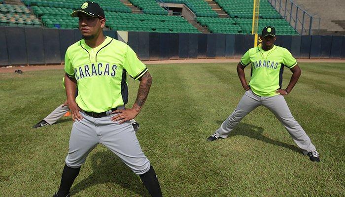 Par de jugadores de los Leones de Caracas se incorporaron a las prácticas