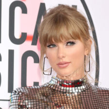 Taylor Swift reina en los American Music Awards