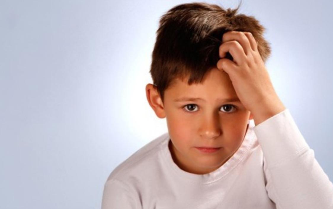 Un niño de 10 años, grabó el momento en el que dos niños se caían a puñetazos