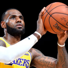 Hollywood rodará película sobre infancia de LeBron James