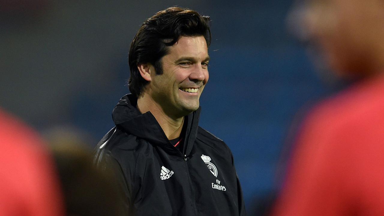 El club blanco ratificó al técnico argentino como entrenador del primer equipo por dos temporadas más