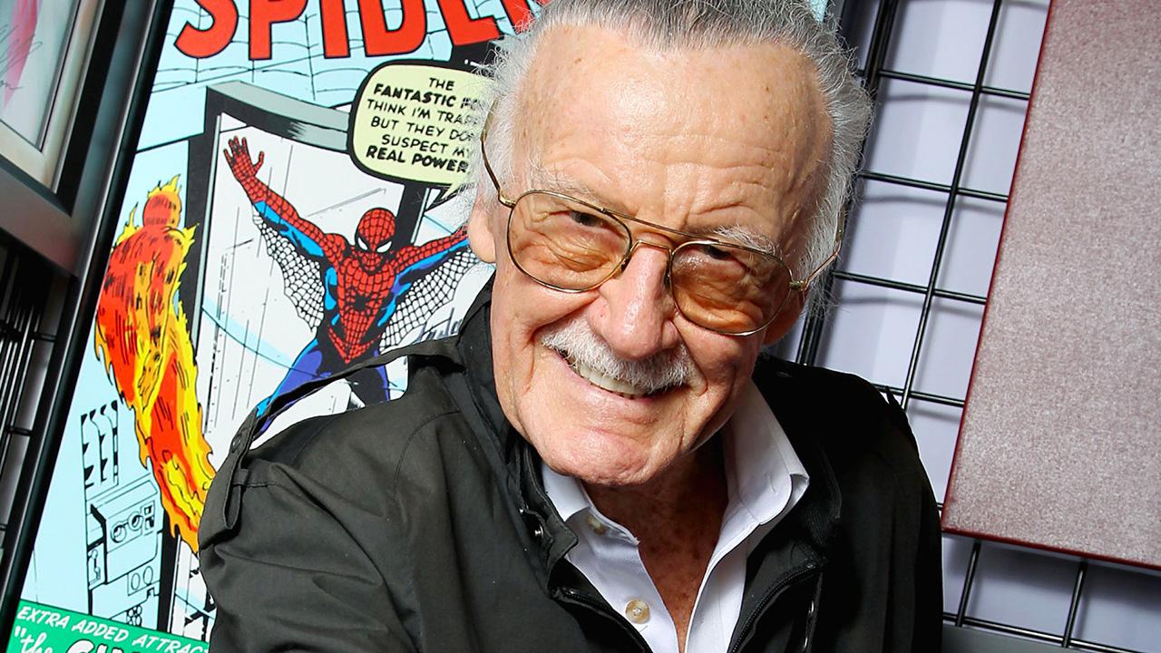 """El autor de comics solía usar mucho la palabra """"Excelsior"""", que significa """"¡Hacia arriba y hacia adelante por la gloria mayor!"""""""