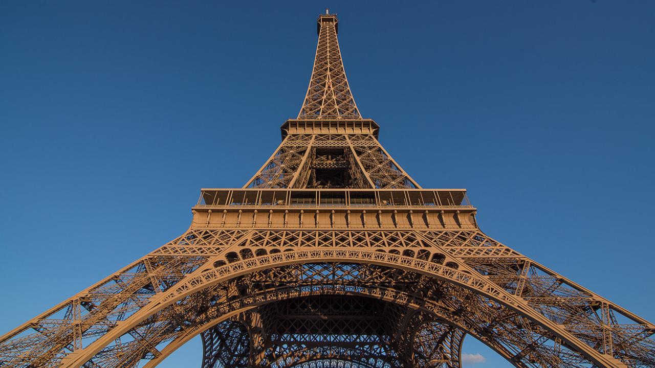 La pieza tiene 25 escalones, pesa varios cientos de kilos y formaba parte de la segunda y la tercera planta del monumento