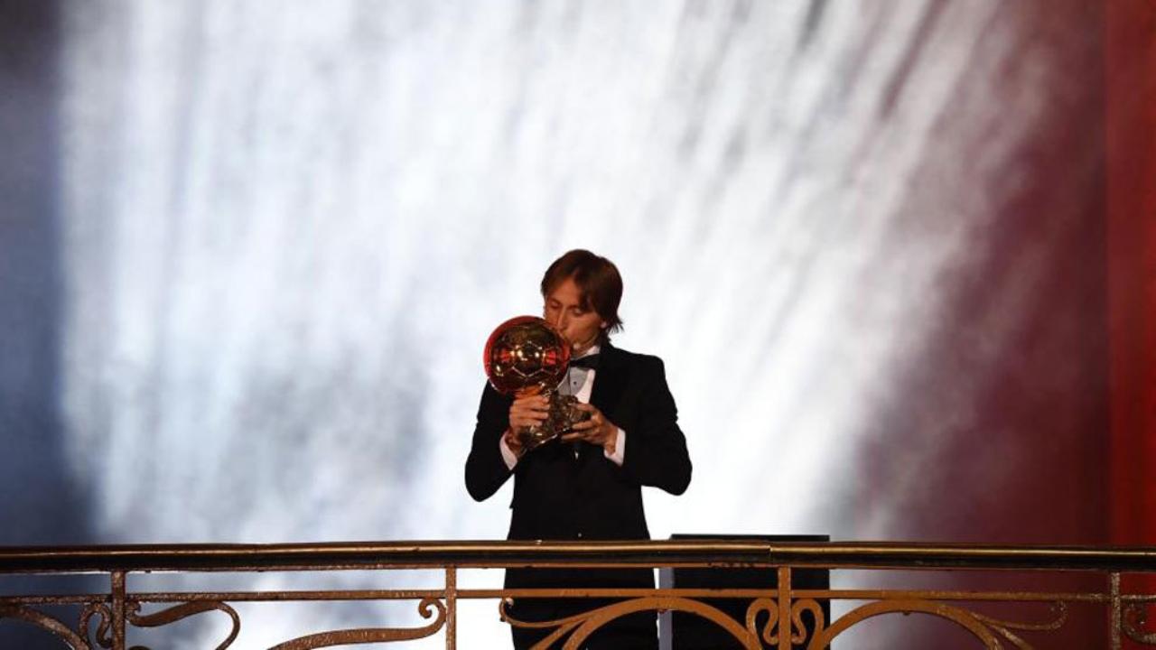 La premiación para el croata supone poner fin al duopolio deMessiyCristiano, quienes desde 2008 ganaron cinco balones de oro cada uno