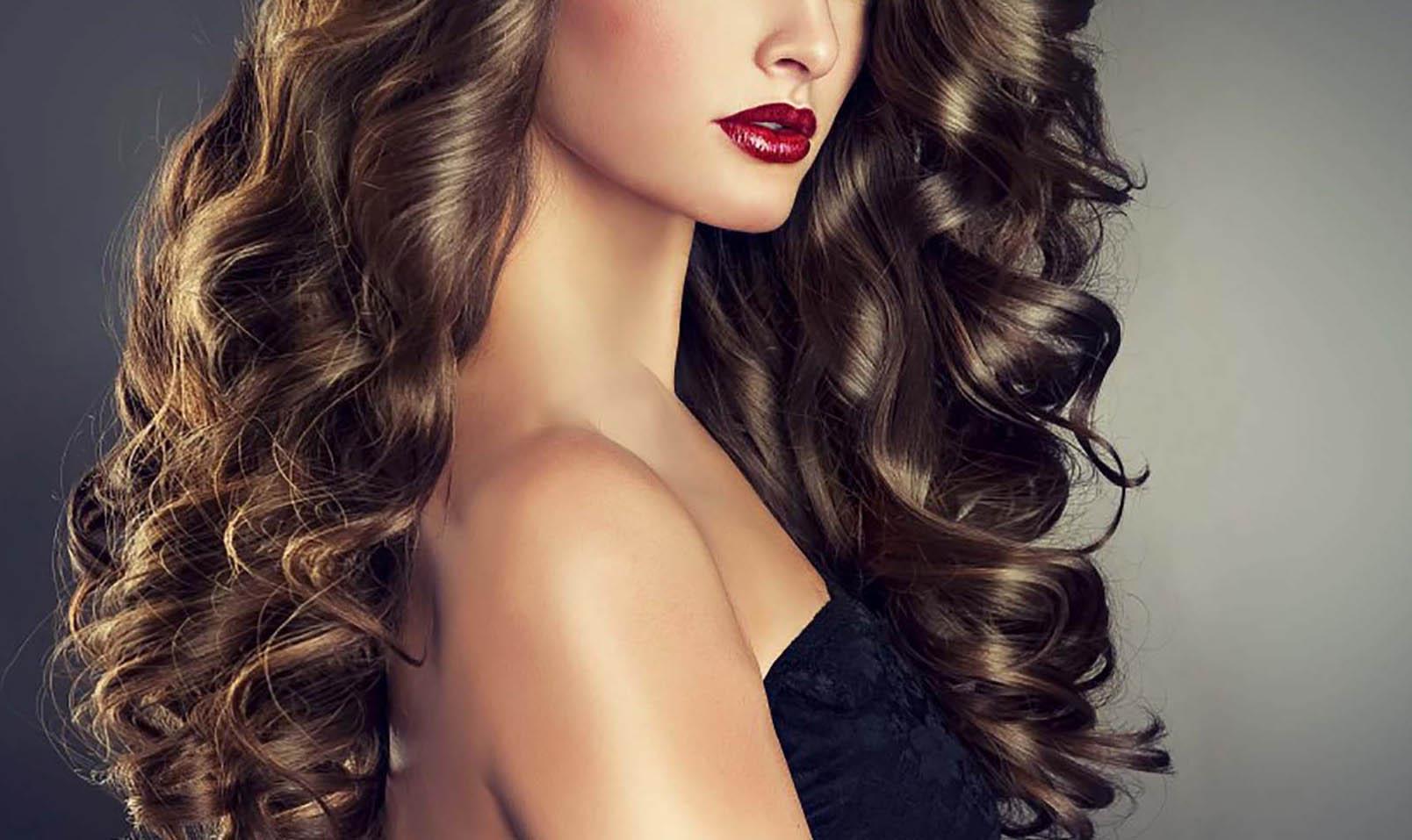 El Sumario - Solo se requieren cinco minutos para tener una melena genial que luzca tan bien como el resto del look y la modelo Jessica Barboza explica el paso a paso para lograrlo
