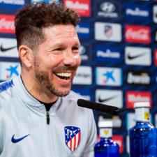 """Simeone: """"Es normal que un equipo como el Bayern quiera pagar la cláusula de Lucas"""""""