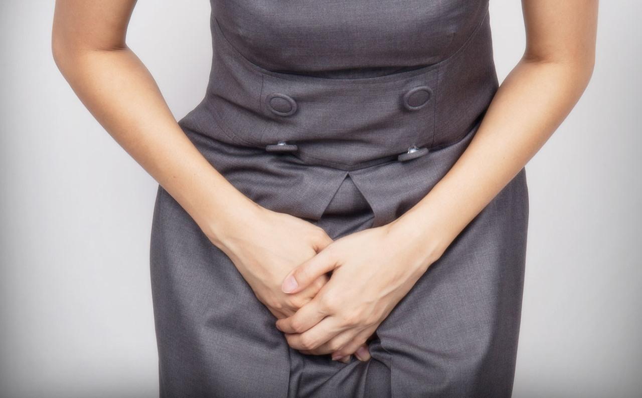 Son varias las causas que originan este problema como el uso de toallas sanitarias o la depilación en esa zona