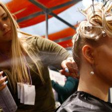 Mujer alemana llama a emergencias de policía para quejarse de su peluquero