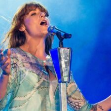 Florence + The Machine interpretan en vivo su canción de GOT