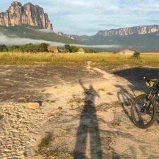 Bancamiga apoyará el reto del ciclista venezolano Daniel Mamopulakos