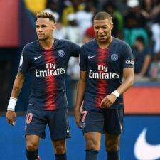 Neymar y Mbappé posan con la camiseta del PSG para 2019-20