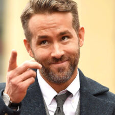 "Ryan Reynolds se une a Gal Gadot y Dwayne Johnson en ""Red Notice"""