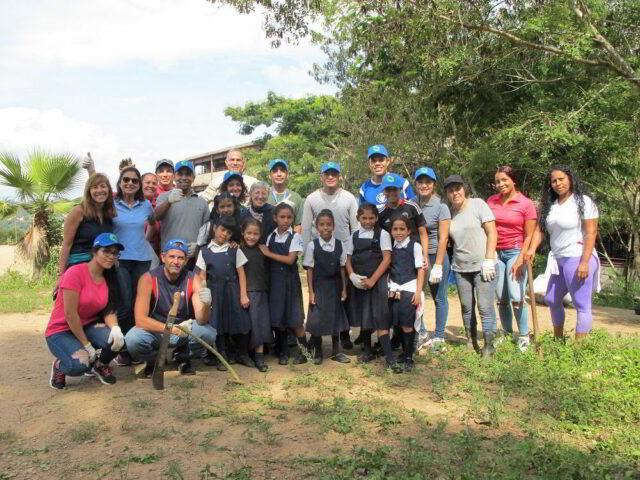 Bancamiga y Topotepuy iniciaron construcción de Huerto para la Vida en Petare