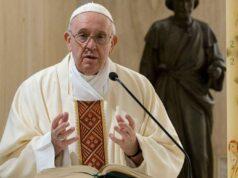 """El papa Francisco invita a construir una sociedad """"más justa"""" tras la pandemia"""