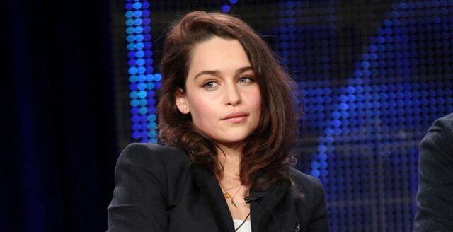 Por esta razón Emilia Clarke se enfrentó a los showrunners de Juego de tronos