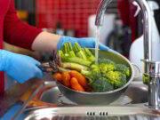 Rosisella Puglisi: Frente al Covid es necesario el lavado de frutas, vegetales y ser precavidos con las bolsas