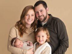 Luego de cinco años sin poder tener un bebé Tina y Ben Gibson conocieron una organización que los ayudo a ser padres de dos niñas