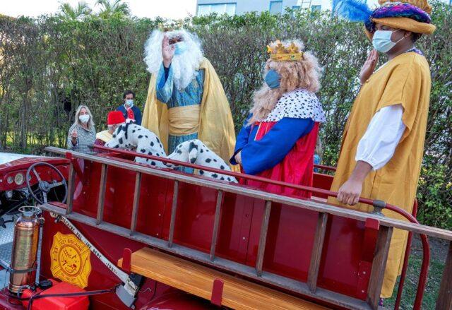El Sumario - Los Reyes Magos llegaron en un camión de bomberos a Miami-Dade