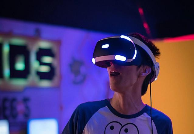 El Sumario - Sony trabaja en el desarrollo de un casco de realidad virtual para PS5